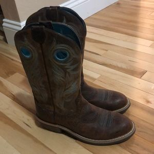 Ariat cowgirl boots size 7.5
